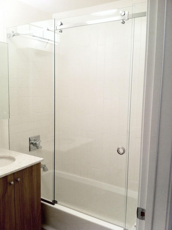 Vidre leiden - Glazen douche schuifsysteem bad met zijlicht