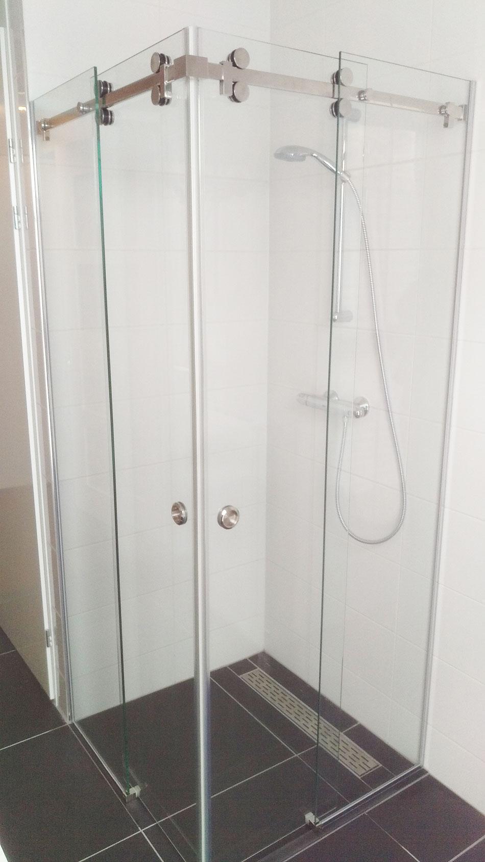 Vidre leiden - Glazen doucheschuifdeuren met 2 zijlichten